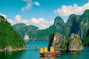 Quảng Ninh xem xét miễn giảm phí tham quan Vịnh Hạ Long