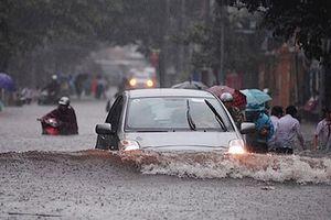 Xe bị ngập nước, người lái xe phải nhớ nguyên tắc nào?