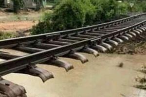 Chính thức thông tuyến đường sắt Bắc-Nam sau bão số 9