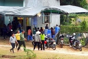 Chạy sang nhà hàng xóm cầu cứu, vợ vẫn bị chồng truy sát tử vong