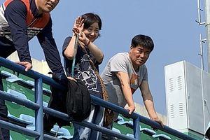 Vợ HLV Park Hang-seo ra sân theo dõi chồng huấn luyện
