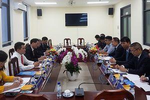 Đoàn đại biểu Chính hiệp Nhân dân Trung Quốc tỉnh Tứ Xuyên thăm TPHCM