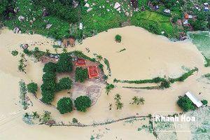 Khó khăn giải thoát 300 hộ dân bị lũ cô lập ở Bình Lập