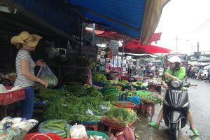 Giá thực phẩm, rau quả ở TPHCM 'nhảy vọt' sau bão số 9