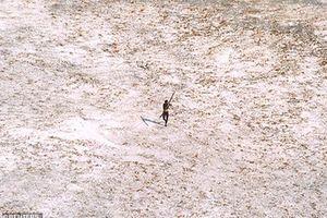 Bộ lạc thời Đồ Đá sống biệt lập 30.000 năm, giết bất cứ người nào xâm nhập