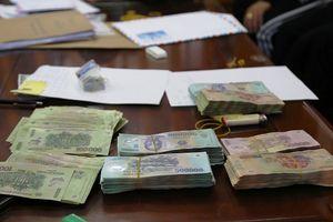 Hà Tĩnh: Đột kích 5 cơ sở tín dụng đen, tạm giữ nhiều nghi phạm