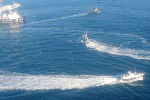 Nga nổ súng, bắt giữ tàu Ukraine vào gần Crimea