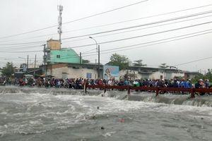Nam thanh niên bị nước cuốn mất tích trong trận ngập kinh hoàng