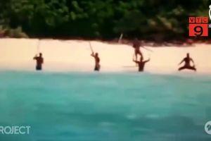 Bị bộ lạc bí ẩn giết chết khi lên đảo cấm: Du khách Mỹ phớt lờ cảnh báo của ngư dân