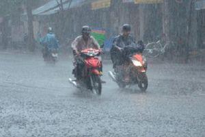 Áp thấp suy yếu từ bão số 9 gây mưa lớn diện rộng ở Trung Bộ