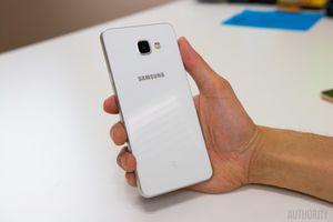 Bất ngờ bị hủy đơn hàng mua Samsung Galaxy A7, khách hàng 'kết tội' Lazada khuyến mãi ảo