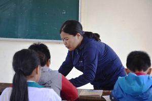 'Cô giáo bắt học sinh tát bạn phơi bày bệnh thành tích trong giáo dục'
