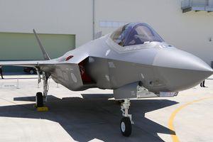 Nhật muốn mua thêm 100 máy bay tàng hình F-35 của Mỹ