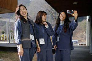 Quá áp lực với cuộc sống, giới trẻ Hàn Quốc trả tiền để được đi tù