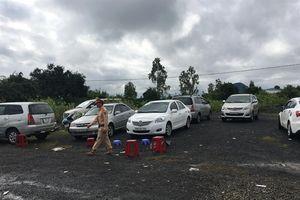 Bắt giữ vụ đánh bạc tầm cỡ lớn nhất Phú Yên, thu giữ hàng chục xe ô tô