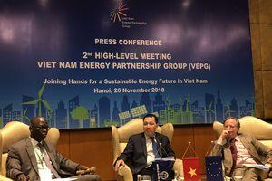 Nhu cầu 150 tỷ USD năm 2030 cho ngành điện: Liệu có khả thi?