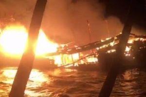 Quảng Nam: Tàu 10 tỷ bị thiêu rụi trong đêm