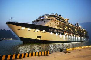 Tàu khách du lịch đầu tiên cập Cảng tàu khách quốc tế Hạ Long