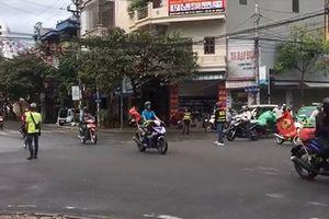 Nhóm 'phượt thủ' dàn hàng chặn ngã tư: CSGT Nam Định nói gì?