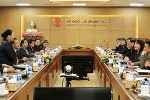 Chia sẻ về bình đẳng giới trong ngành GD-ĐT giữa Việt Nam và Lào