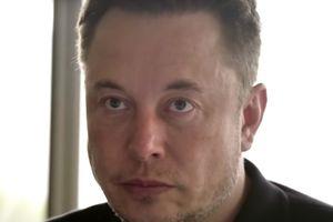 Tỉ phú Elon Musk chia sẻ khả năng sẽ bay lên sao Hỏa