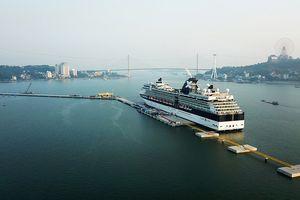 Cảng tàu du lịch quốc tế tư nhân đầu tiên của Việt Nam đón tàu 5 sao