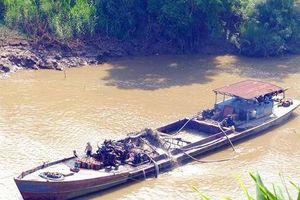 Sạt lở nghiêm trọng thượng nguồn sông Đồng Nai vì khai thác cát