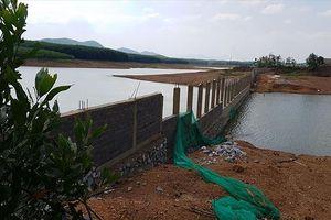 Đập thủy lợi trọng yếu nhất Quảng Bình bị bức tử