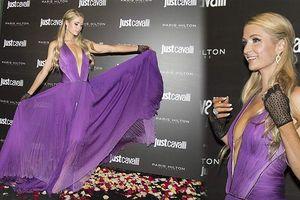 Paris Hilton diện váy xẻ sâu đẹp hút mắt giữa 'bão' hủy hôn