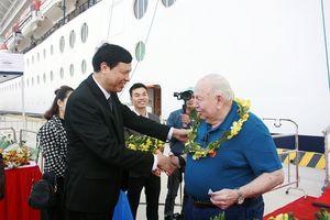 Cảng tàu khách quốc tế Hạ Long đón chuyến tàu khách đầu tiên