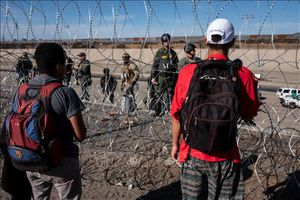 Yêu cầu Mỹ điều tra toàn diện việc sử dụng vũ khí không sát thương tại khu vực biên giới