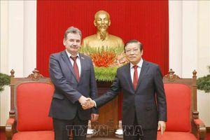 Đoàn đại biểu Đảng Cộng sản Nhân dân Kazakhstan thăm Việt Nam