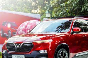 VinFast 'khoe' thông số 'đỉnh' của bộ đôi xe ô tô LUX