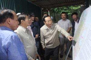 Phó Chủ tịch Quốc hội thị sát dự án cao tốc Bắc-Nam phía Đông