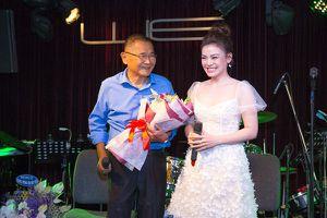 Nguyễn Hải Yến mỏng manh, ngọt ngào bên cạnh nhạc sĩ Bảo Chấn tại họp báo