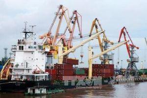 Tháng 11 cán cân thương mại hàng hóa ước thâm hụt 400 triệu USD