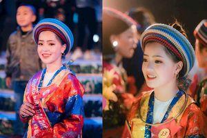 'Lịm tim' với loạt ảnh xinh đẹp mới nhất của 'em gái bán hạt óc chó' Hà Giang