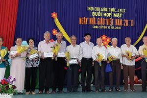 Hội cựu giáo chức với công tác khuyến học, khuyến tài