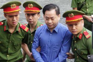 Bất ngờ với lai lịch Vũ 'nhôm' trong phiên tòa xử cựu chủ tịch Ngân hàng Đông Á