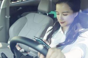 Nhắn tin khi lái xe như đang nhắm cả hai mắt