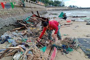 Sau bão số 9, ngư dân làng chài gần bờ nguy cơ không còn tài sản