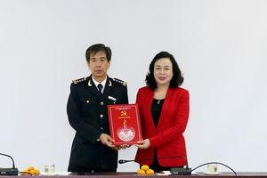 Trao Quyết định chuẩn y Bí thư Đảng ủy Cục Hải quan TP Hà Nội