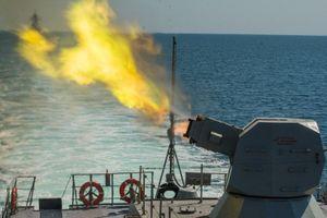 Uy lực kinh hoàng từ 'hỏa thần' AK-630M2 Nga có thể 'khạc' 10.000 phát/phút