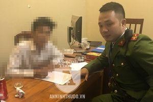 Cảnh sát 113 kịp thời giữ tay nam thanh niên 20 tuổi vượt lan can cầu Vĩnh Tuy định tự tử