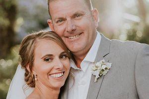 Đám cưới 'cổ tích' của cô nàng bị suy giảm thị lực