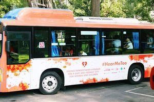 TP.HCM: 26 xe buýt màu cam mang thông điệp chống quấy rối tình dục