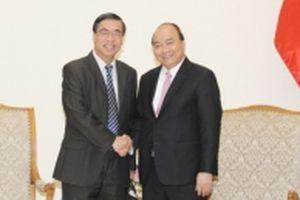 Thủ tướng Nguyễn Xuân Phúc tiếp Chủ tịch Hội Liên lạc với người Việt Nam ở nước ngoài