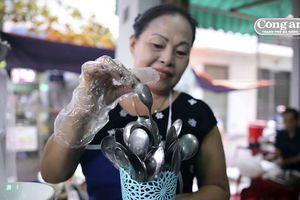 Rộ phong trào quán ăn dùng muỗng không rãnh