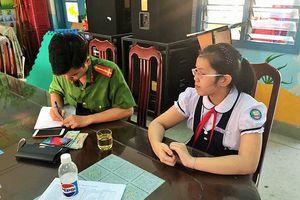 Nha Trang: Học sinh tiểu học trả lại của rơi giá trị lớn