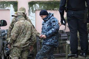 Nga gia hạn tạm giam 12 thủy thủ Ukraine gần 2 tháng